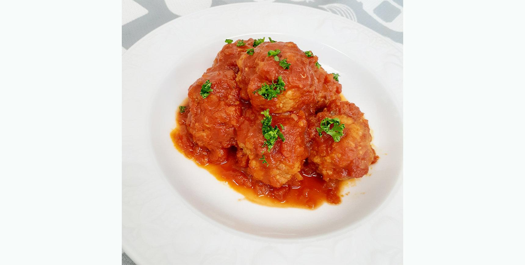 2種のチーズ肉団子<br>トマト煮